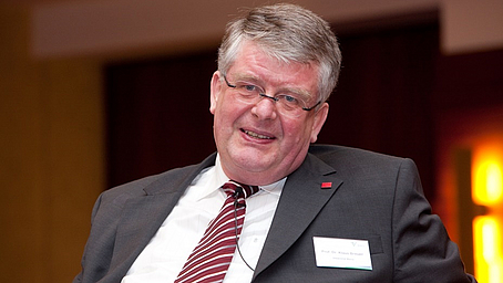 In Gedenken an Prof. Dr. Klaus-Ulrich Breuer